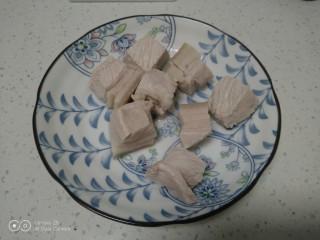 红烧肉炖冬瓜,猪肉焯水后捞出