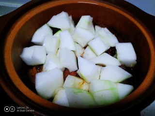 红烧肉炖冬瓜,加入冬瓜