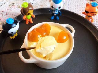 鸡蛋牛奶布丁,来个特写看看,组织细腻,嫩滑,香甜适宜~