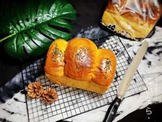 冬至美食—黑芝麻白吐司
