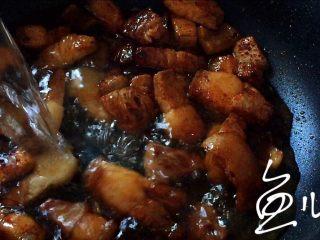 腊汁肉夹馍,添加清水没过肉块