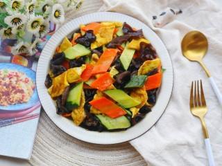 冬至美食 低脂低卡的黄瓜木耳炒鸡蛋,成品。