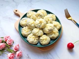 冬至美食  饺子皮小笼包