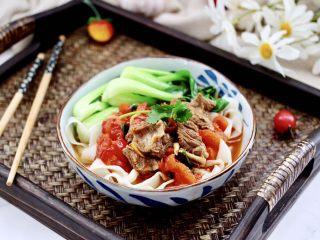 冬至美食~番茄青菜牛肉面