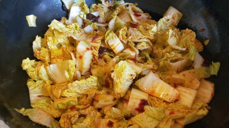 水煮肥牛,炒5成熟换砂锅。