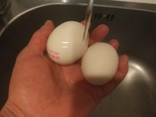 桂圆炖蛋,冲洗干净。