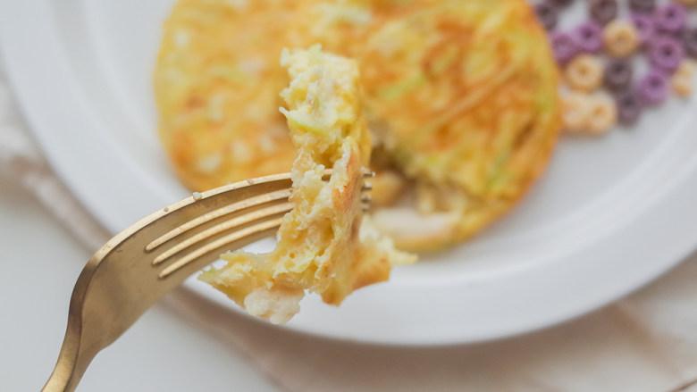 9个月以上西葫芦鸡肉蛋饼