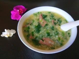 菠菜猪肝粥,成品图