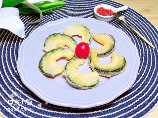炸南瓜条,配上一些好吃的酱料,美味佳肴吃起来吧!