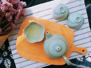 过年清新菜,芦笋龙井虾,茶汤倒出,泡过的茶叶也留着