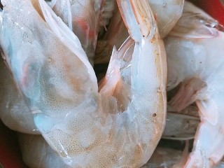过年清新菜,芦笋龙井虾,大白虾洗净