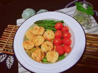 过年清新菜,芦笋龙井虾,茶之清香,虾和芦笋之清甜,美味吃起来了