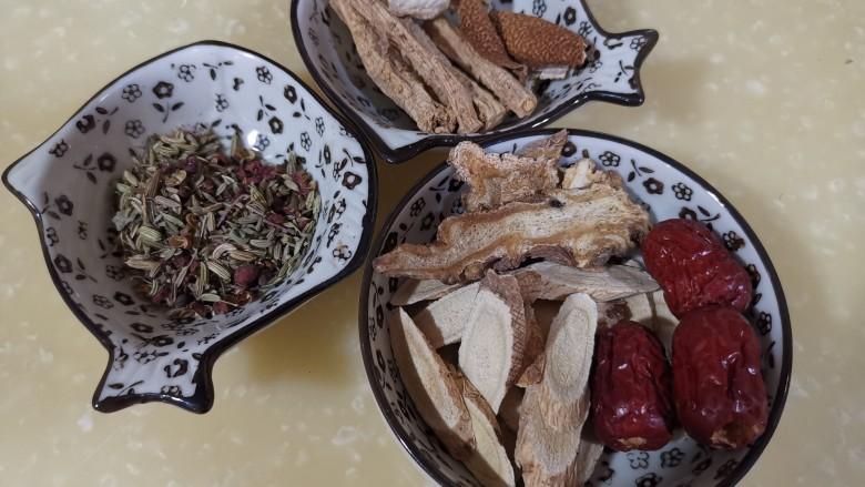 冬季滋补好时机,烤羊蝎子藜麦饭,调料不少吧