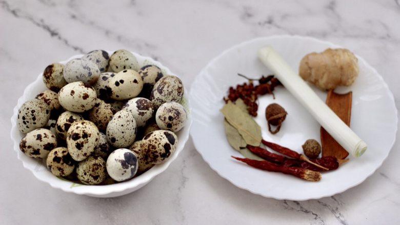 啤酒香卤鹌鹑蛋,准备好卤蛋的食材。