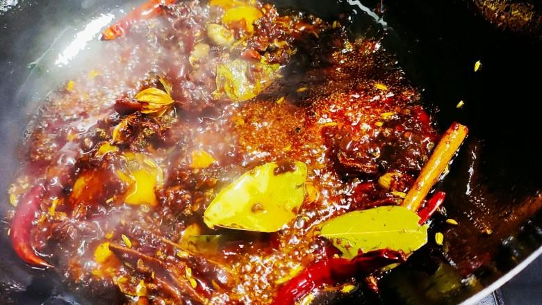 五香酱牛肉,翻炒均匀出香