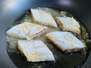 炸酥帶魚,中小火炸