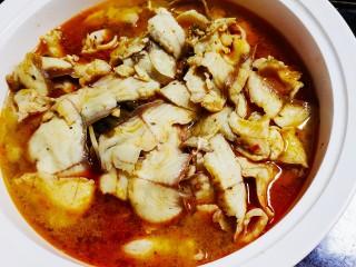 老坛酸菜鱼,浇上汤汁