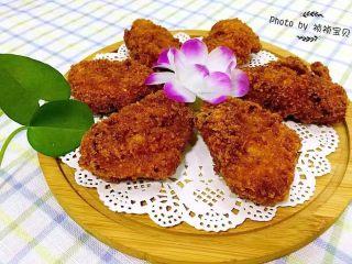 香酥炸鸡翅,香酥炸鸡翅是宴客的拿手大菜也是追剧的最佳零食