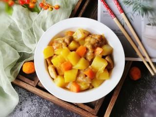 咖喱鸡肉土豆,出锅装盘