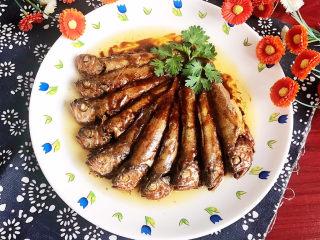 酱焖黄花鱼,酱焖黄花鱼酱香浓郁,鱼肉鲜嫩,非常美味~