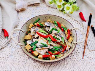 鲳鱼烧冻豆腐