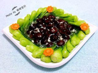 青菜炒香菇,普通的食材用心去做就会给生活增添亮丽的色彩