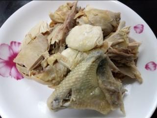 咖喱鸡肉土豆,鸡肉提前焯水煮熟