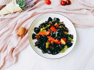 清炒木耳菜,撒点芝麻看起来会更有食欲