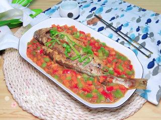 酱焖黄花鱼,一盘色香味俱全的酱焖黄花鱼就上桌了!