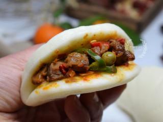 牛肉香菇酱,夹在馒头里也好吃。