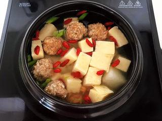 豆腐丸子汤,调匀即可,豆腐丸子汤做好了~