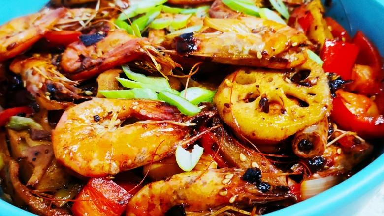 麻辣干锅虾,成品图