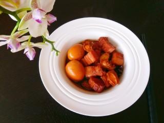 红烧肉鲍鱼炖蛋