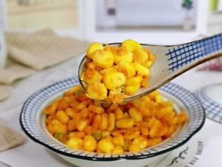 蛋黄焗玉米,一口一勺可以当做主食~好吃停不下来。