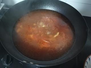 番茄牛腩面,汤汁烧好了