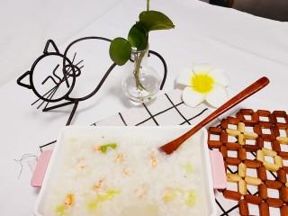 蔬菜虾仁粥,白菜的清香味,虾仁的鲜味,养胃