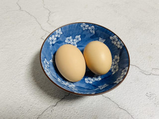 虾仁跑蛋,鸡蛋两个