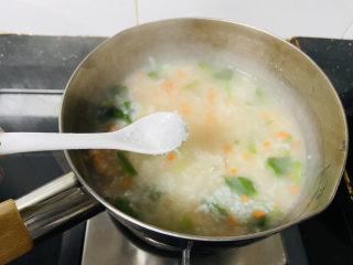 蔬菜虾仁粥,适量盐
