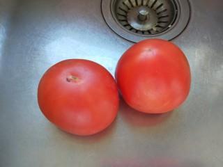 番茄牛腩面,番茄两个。