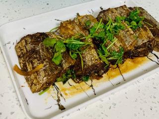 红烧糖醋带鱼,盛盘😄上菜
