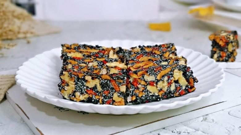 芝麻核桃糖,好吃不上火的核桃芝麻养生糕。