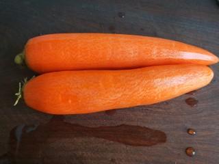 牛腩萝卜汤,我喜欢去掉皮,看着干净。