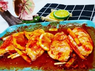 薯片鸡翅,搅拌均匀腌制30分钟