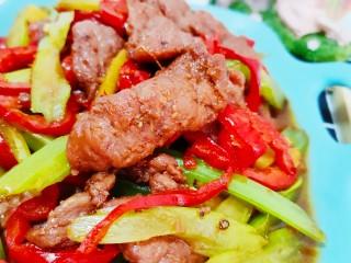 芹菜炒牛肉,肉嫩鲜美