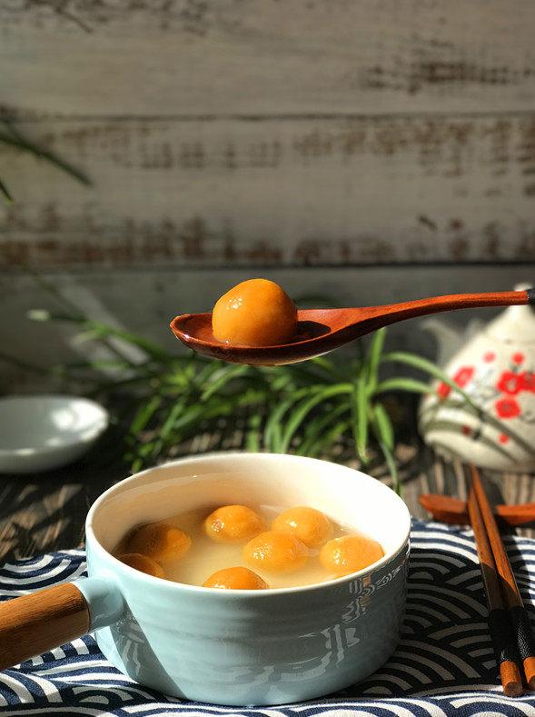 南瓜豆沙汤圆,个个光滑圆润,皮簿馅大,不漏馅不开裂
