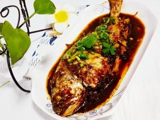 红烧黄鱼,美味的红烧黄鱼就做好了
