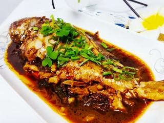 红烧黄鱼,成品图