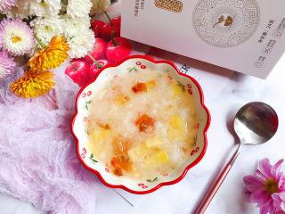 桃胶金燕耳苹果甜汤~提高免疫力佳品