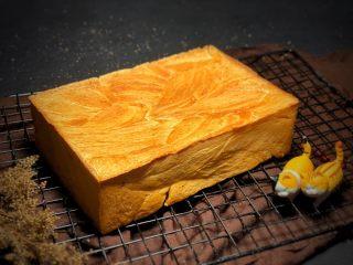 金磚,預熱烤箱熱風循環200度烤40分鐘