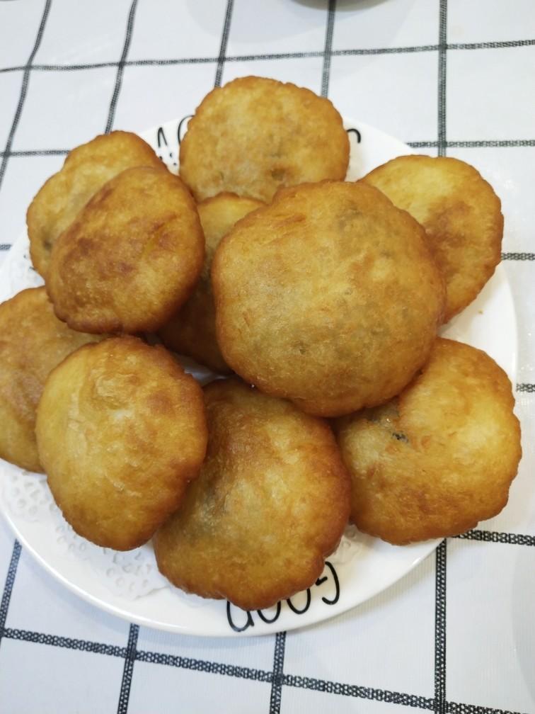 外酥里糯❗做法简单的炸糖糕,炸至两面金黄,糖糕就完成了
